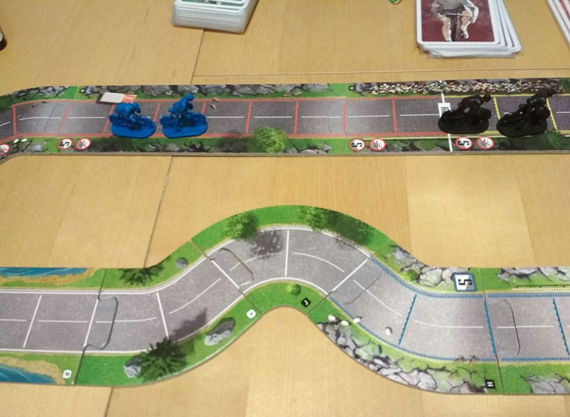 Flamme Rouge Review - Playing the Game