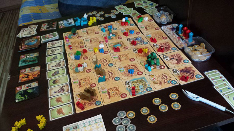 Playing Five Tribes Board Game