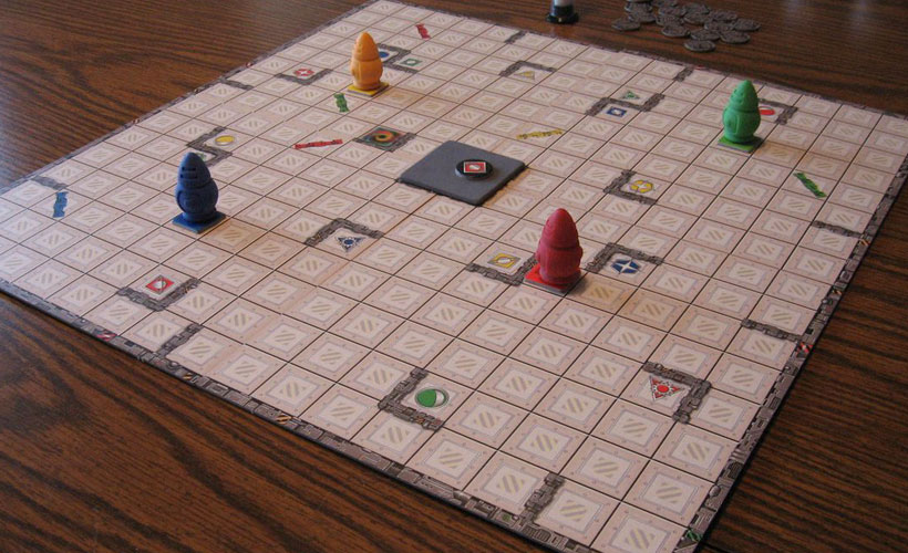 Ricochet Robots Review - Game Board and Robots
