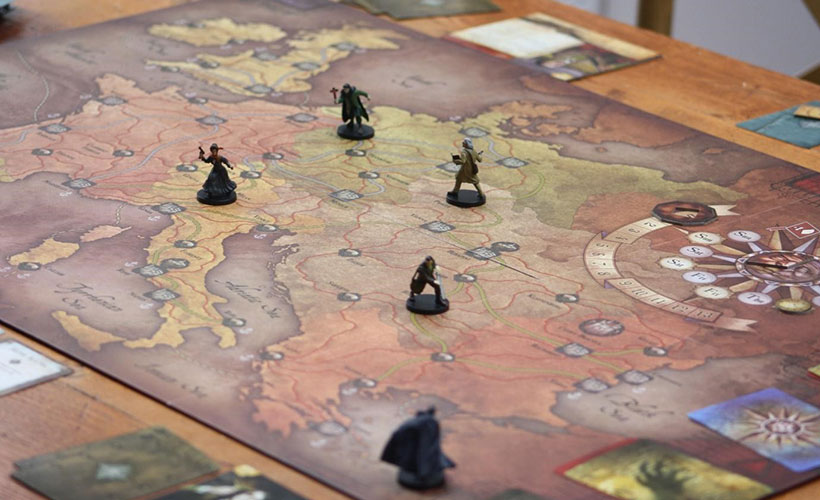 Fury of Dracula Review - Board and Minis