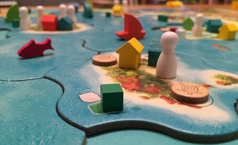 Vanuatu Board Game - Pawns and Cubes