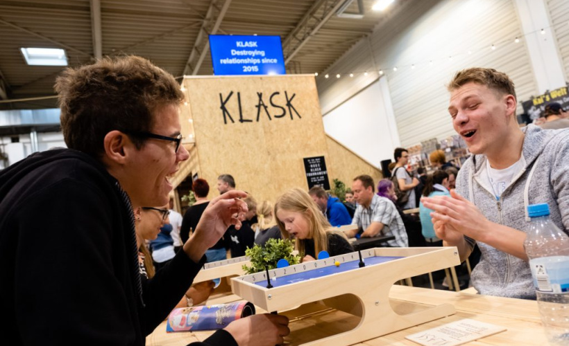 Playing Klask at Spiel 2019