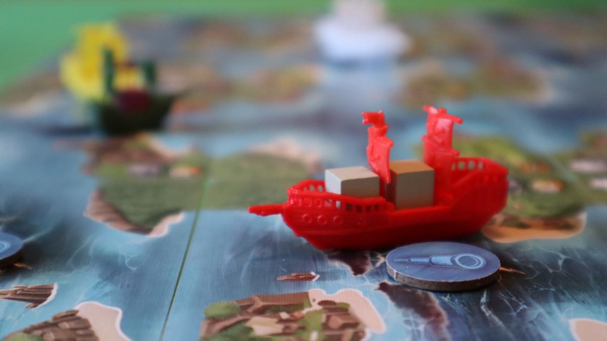 tiny epic pirates meeple